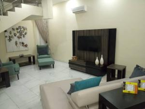 4 bedroom Terraced Duplex House for shortlet Adeniyi Jones  Adeniyi Jones Ikeja Lagos