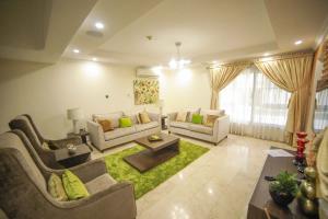 4 bedroom Flat / Apartment for shortlet Off Admiralty way, Lekki phase1  Lekki Phase 1 Lekki Lagos