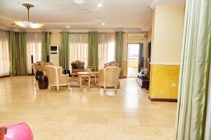 4 bedroom Penthouse Flat / Apartment for sale Off palace road ONIRU Victoria Island Lagos