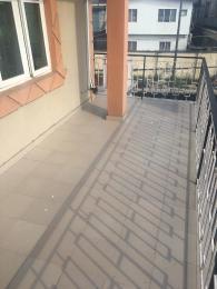 4 bedroom Flat / Apartment for rent Off Adelabu surulere   Surulere Lagos
