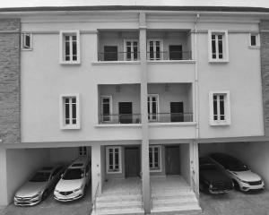 4 bedroom Terraced Duplex House for rent Freedom Ikate Lekki Lagos