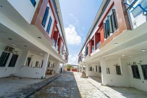 4 bedroom Terraced Duplex for sale Off Orchid Hotel Road 2nd Toll Gate Ikota Lekki Lagos