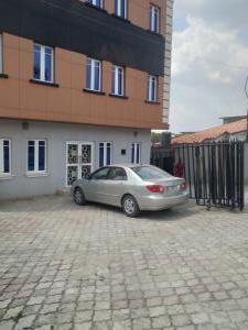 Office Space Commercial Property for rent Off opebi link bridge  Opebi Ikeja Lagos