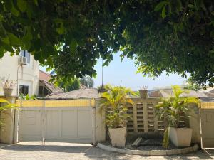 10 bedroom Semi Detached Duplex House for sale Off IBB way Maitama Abuja