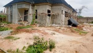 5 bedroom Detached Bungalow House for sale Okhoromi off airport road Oredo Edo