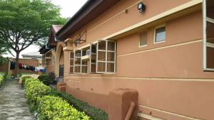5 bedroom Detached Bungalow House for sale - Magboro Obafemi Owode Ogun