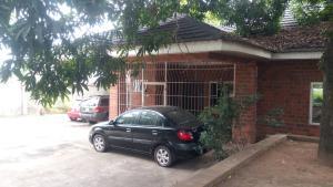 5 bedroom Detached Bungalow House for sale Kobiowu crescent, iyaganku GRA, Ibadan Iyanganku Ibadan Oyo