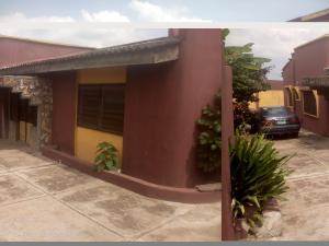 5 bedroom Terraced Bungalow House for sale Sagbe Area Akinyele Oyo