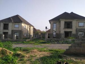 5 bedroom Detached Duplex House for sale Rainbow 2 estate off airport road lugbe Lugbe Abuja