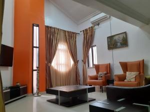 5 bedroom Detached Duplex House for shortlet Toyin street Ikeja Lagos