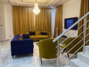5 bedroom House for shortlet Lekki Lagos