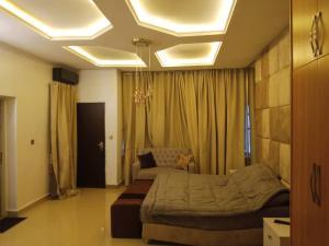 4 bedroom Terraced Duplex for shortlet Guzape Abuja