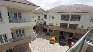 5 bedroom Terraced Duplex House for sale Serviced Estate Mende Maryland Lagos