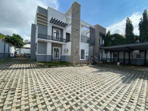 5 bedroom Semi Detached Duplex for sale 4th Avenue, Gwarinpa Abuja