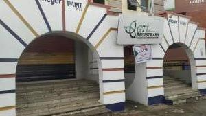 6 bedroom Office Space Commercial Property for rent Oomor House, Directly Opposite Palms Shopping Mall Ring Rd Ibadan Oyo