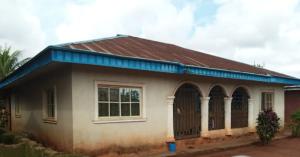 6 bedroom Detached Bungalow House for sale Osasenaga Street, Off Coolex, Useh Qtrs Benin City Oredo Edo
