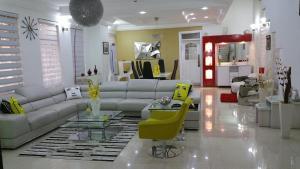 6 bedroom Detached Duplex House for sale Baderin Obasa street, via 2nd round about Lekki Phase 1 Lekki Lagos
