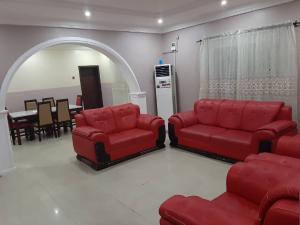 6 bedroom House for shortlet ... chevron Lekki Lagos