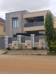 6 bedroom Detached Duplex House for sale Guzape Abuja