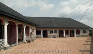 2 bedroom Blocks of Flats House for sale oghoghe community off sapele road Oredo Edo