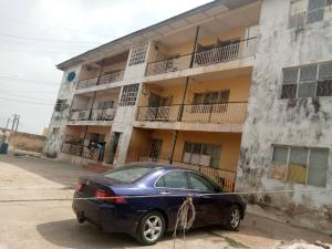 3 bedroom Blocks of Flats House for sale situated at Coca cola, area, Mokola, Ibadan.  Ibadan Oyo