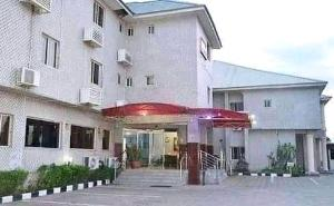 10 bedroom Hotel/Guest House Commercial Property for sale Jabi Jabi Abuja