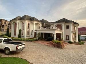 7 bedroom Massionette House for sale Gwarinpa Abuja