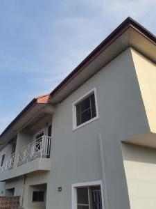 2 bedroom House for rent Off palace road ONIRU Victoria Island Lagos