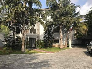 3 bedroom Blocks of Flats House for sale Off Admiralty way Lekki Phase 1 Lekki Lagos