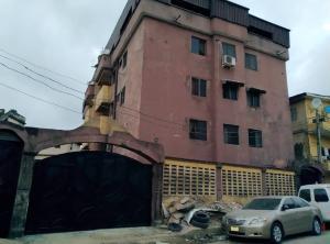 3 bedroom Flat / Apartment for sale Fadeyi Ikorodu Road Shomolu Lagos