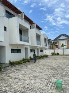 5 bedroom Terraced Duplex House for sale Chevron Link chevron Lekki Lagos