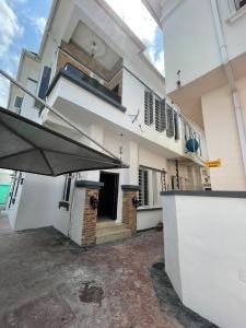 4 bedroom Semi Detached Duplex House for rent Chevron Link Road chevron Lekki Lagos