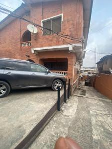 5 bedroom House for rent Kinle otukoya  Gbagada Lagos