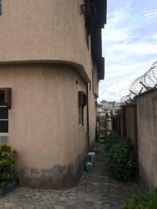 6 bedroom Detached Duplex House for sale Near Laspotech Odongunyan Ikorodu Lagos