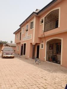 3 bedroom Flat / Apartment for sale Urgent for sale executive four nos 3bedroo flat on one half plots at agbado oke  aro nice environment secure area very close to bustop  Agbado Ifo Ogun