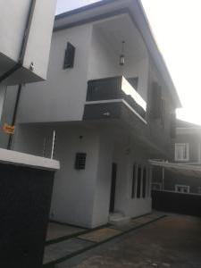 5 bedroom Detached Duplex for sale Chevy View Roundabout Lekki chevron Lekki Lagos