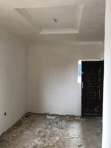 Self Contain for rent Jibowu Yaba Lagos