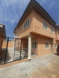 3 bedroom House for rent Golden Parl Estate Sangotedo Ajah Lagos