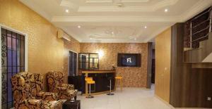 5 bedroom Detached Bungalow House for shortlet Vfs Road Off Freedom Way Lekki Phase 1 Lekki Lagos