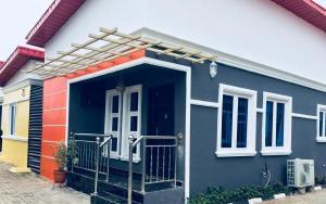 3 bedroom Detached Bungalow House for sale Oxford Estate; Lagos Ibadan Expressway, Obafemi Owode Ogun