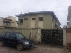3 bedroom Blocks of Flats House for sale Alidada, Ago palace  Ago palace Okota Lagos