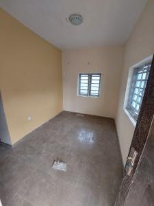 1 bedroom Mini flat for rent Ifelodun Street Ilasamaja Mushin Lagos