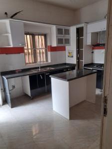 4 bedroom Flat / Apartment for rent Ologolo Lekki Lagos