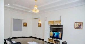 5 bedroom Detached Duplex House for shortlet . Lekki Lagos