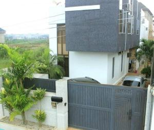 4 bedroom Detached Duplex House for sale Bucknor Estate, Jakande Isolo Lagos