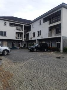 4 bedroom Terraced Duplex House for rent In An Estate Lekki Phase 1 Lekki Lagos