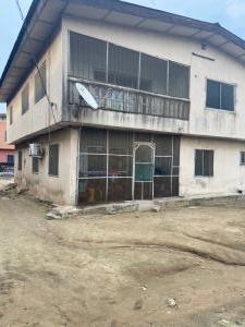 3 bedroom Penthouse for sale Soluyi Soluyi Gbagada Lagos