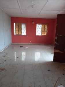 3 bedroom Flat / Apartment for rent Shomolu Shomolu Lagos