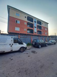 3 bedroom Flat / Apartment for rent off oluwadare street fola agoro  Fola Agoro Yaba Lagos