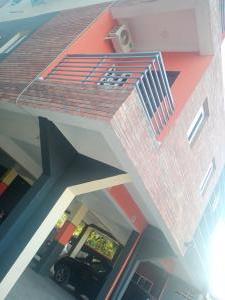 3 bedroom Flat / Apartment for sale Off Queen's Street Alagomeji Yaba Lagos